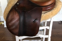 Selling: Luc Childeric Saddle 16.5""