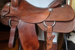 Selling: Roohide Cutting Saddle 15.5""