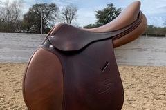 "Selling: 2016  Antares Spooner Saddle 17"""