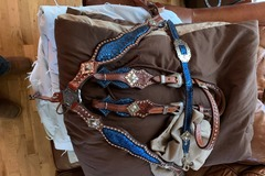 Selling: Custom Tack Set just in time for Christmas