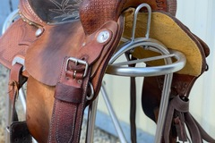Selling: Team Steinhoff Barrel Saddle