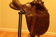 Selling: Wayne Walker Australian Saddle