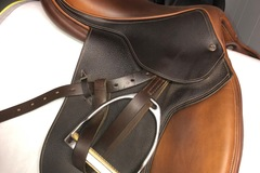 Selling: Beval Artisan English Saddle 17""