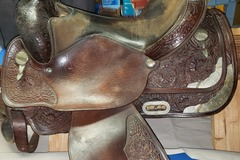 Selling: Circle Y western saddle 16""