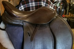 Selling: Schleese Eagle Jumping Saddle 17""