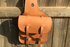 Selling: New saddle bags