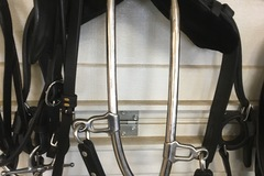 Selling: Single black leather harness